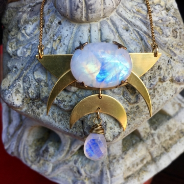 Carry the Moon Necklace